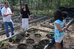 community-planting-5-7-11-018